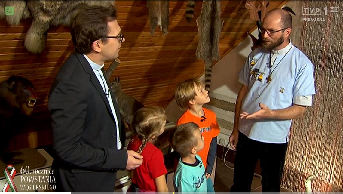 ks. Tomasz w muzeum (2)